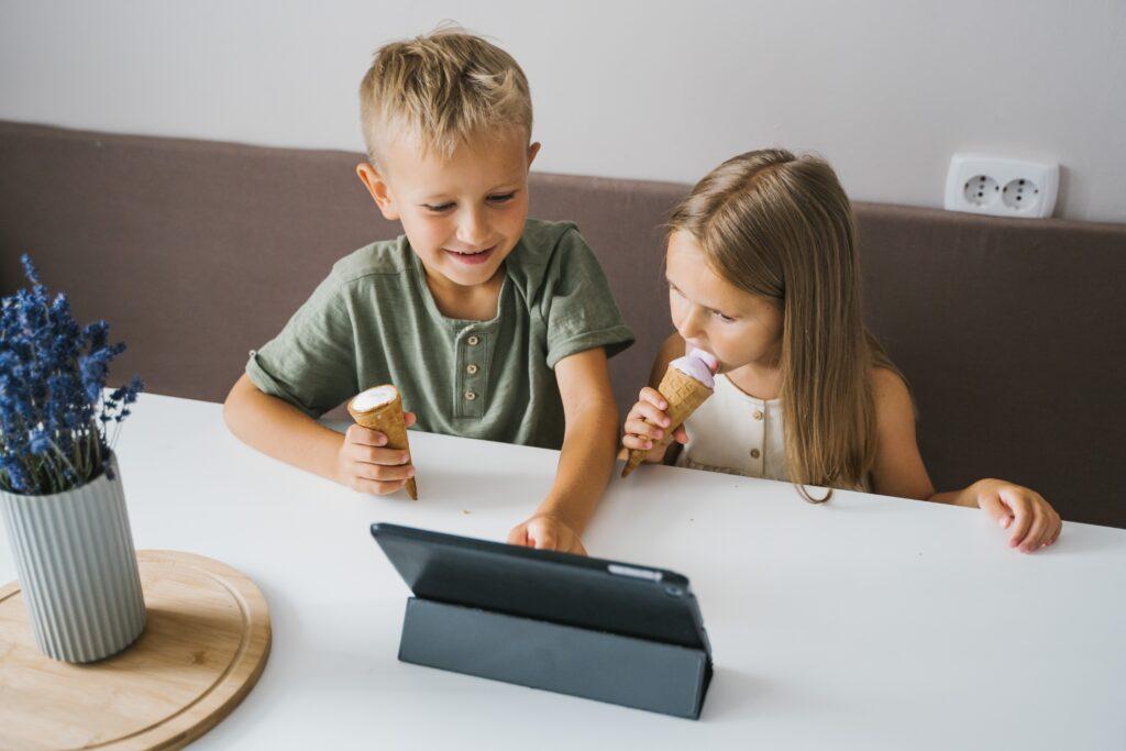 Ebeveynler Youtube'dan Çocuklarının Ne İzlediklerini Kontrol Edebilecek